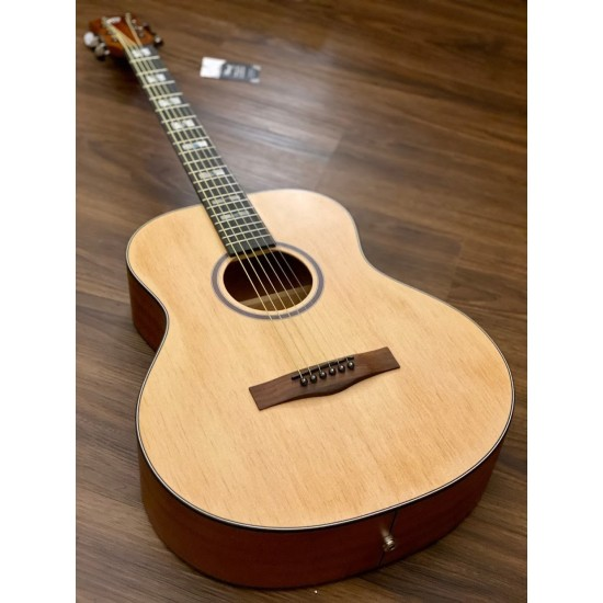 CHARD WD48OM ACOUSTIC ELECTRIC SOLID TOP IN NATURAL SATIN WITH FISHMAN PRESYS