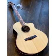 SQOE SPAIN A900 SK BEVEL CUT WITH SOLID SPRUCE TOP IN NATURAL