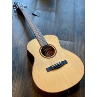 SQOE SPAIN SMLT GS N ACOUSTIC ELECTRIC IN NATURAL WITH FISHMAN PRESYS PLUS PREAMP